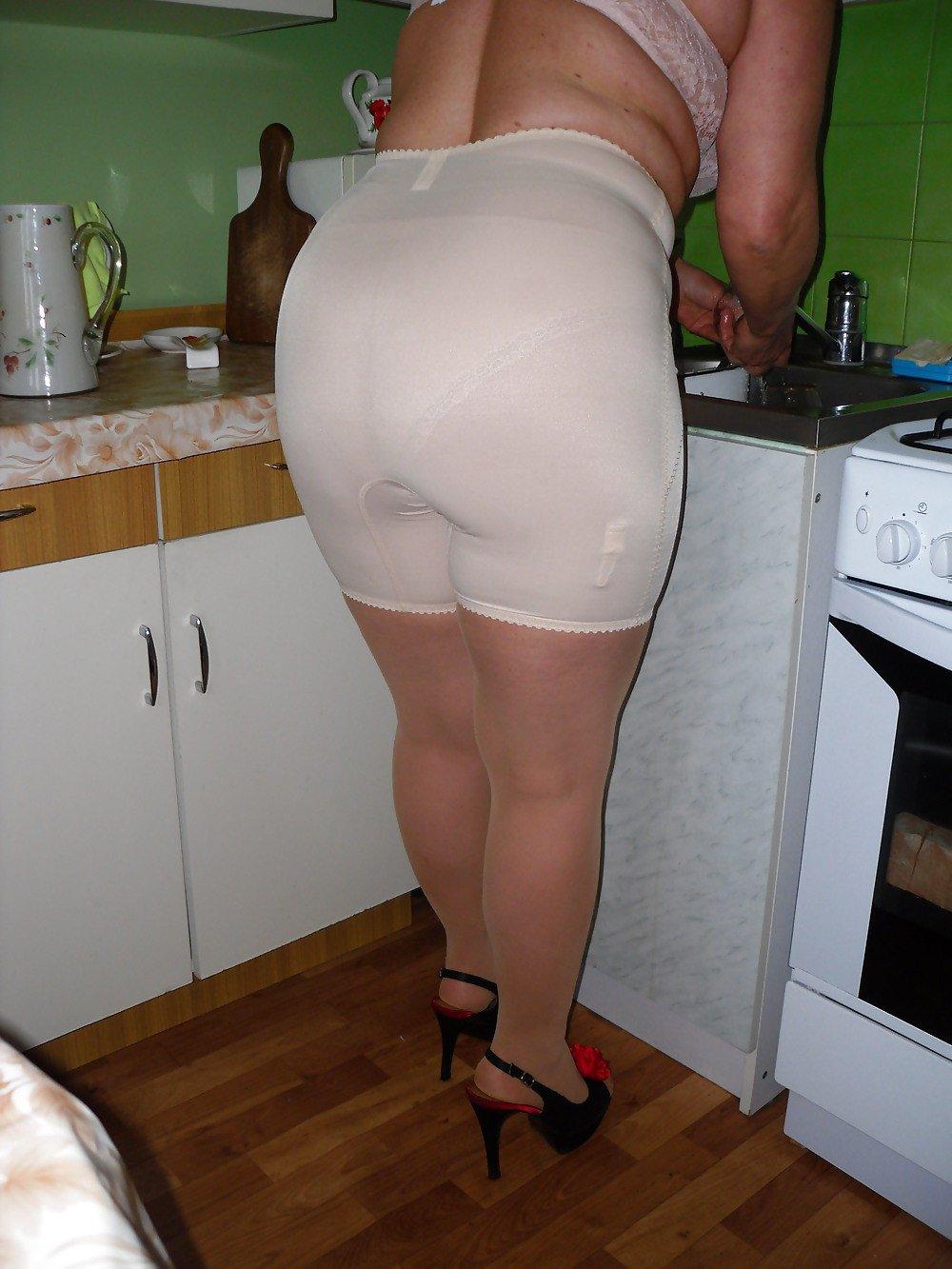 порно панталонах деревенские в бабы